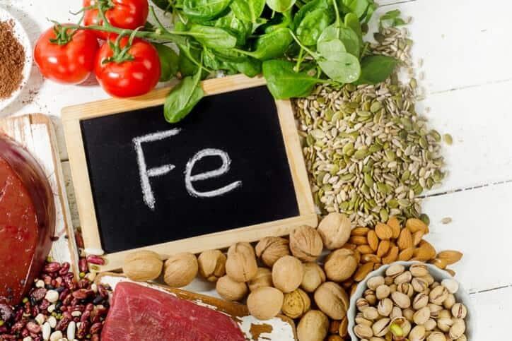 Top 09 Thực Phẩm Bổ Máu Nên Có Trong Mỗi Bữa Ăn -  - Đậu Lăng | Hạt Bí Ngô | Socola Đen 90