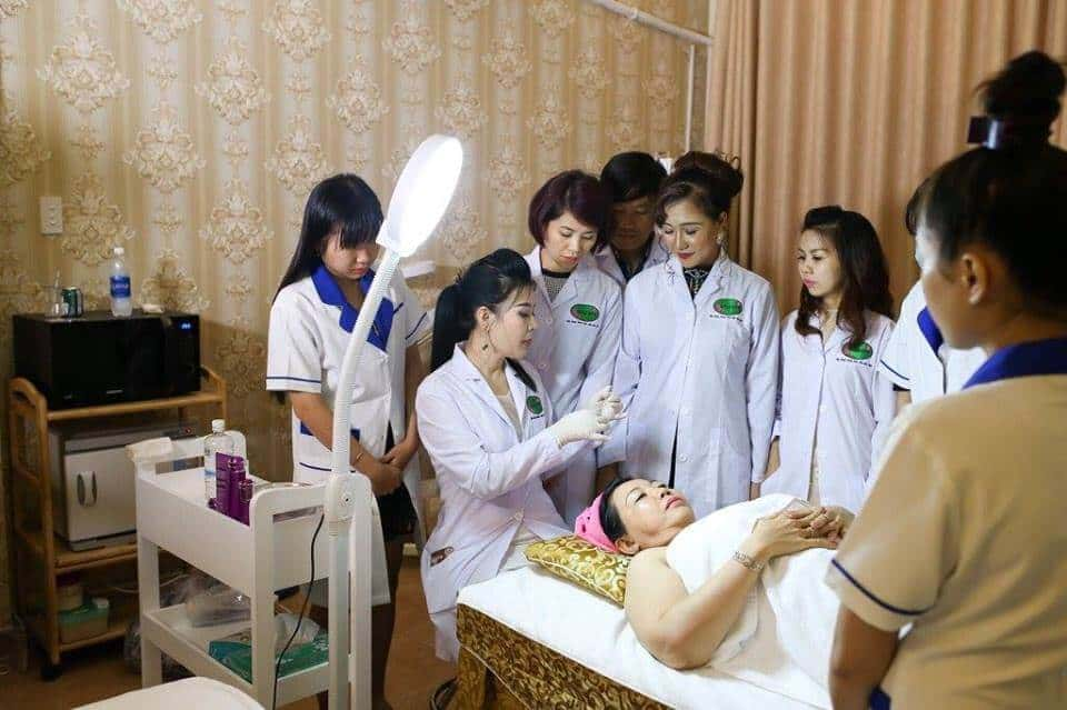 Top 05 Trung Tâm Dạy Chăm Sóc Da Uy Tín và Chất Lượng HCM - học chăm sóc da - ANA Beauty Academy | HỌC VIỆN SẮC ĐẸP - QUEEN SPA | Miss Tram Academy 31