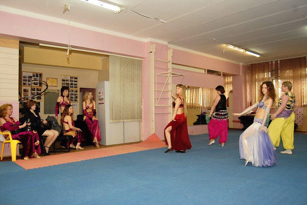 3 Gợi Ý Về Trang Phục Belly Dance Dành Cho Phái Nữ