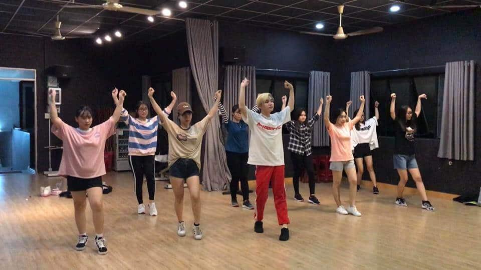 Top Những Địa Điểm Tập Dance Tại Hồ Chí Minh -  - Burlesque Dance & Yoga Center | FLYPRO | Kpop Dance – Bin Gà Class 15