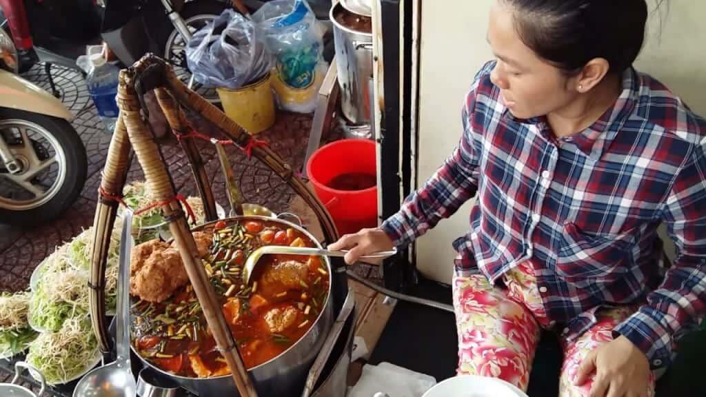 Top 5 Quán Bún Riêu Ngon Tại Tp Hồ Chí Minh -  - Bảy Bún Riêu | Bún riêu | Bún riêu bạch tuộc Nguyễn Thị Tần 11
