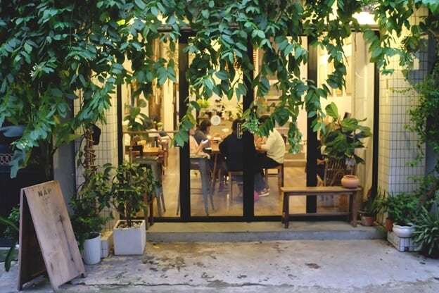Top 07 Quán Cà Phê Nhiều Cây Xanh Tại Hồ Chí Minh -  - Cafe bản Sonate | Café Terrace | Fly Cupcake Garden 31