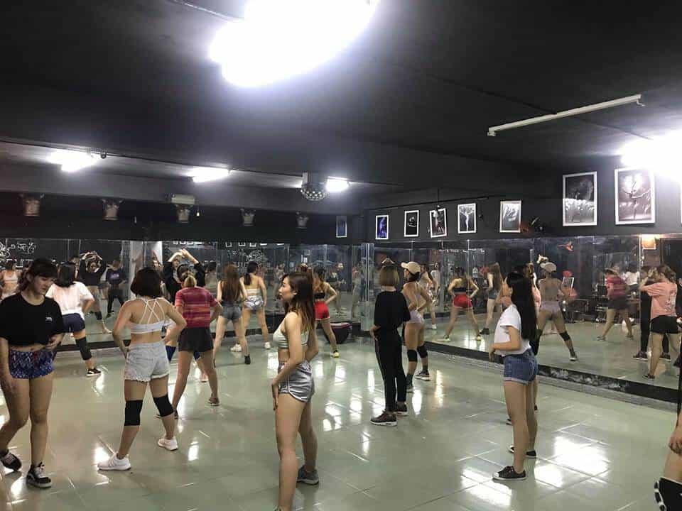 Top Những Địa Điểm Tập Dance Tại Hồ Chí Minh -  - Burlesque Dance & Yoga Center | FLYPRO | Kpop Dance – Bin Gà Class 17