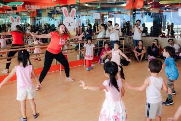 Top 07 Lợi Ích Tuyệt Vời Cho Trẻ Khi Học Nhảy ZUMBA 7