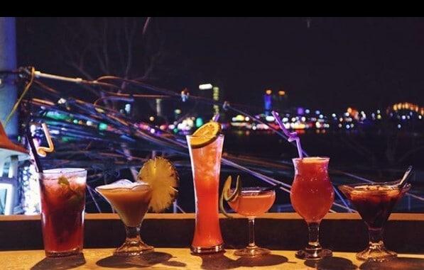 Top 05 Địa Điểm Giúp Tăng Khả Năng Giao Tiếp Tiếng Anh Ở Đà Nẵng - giao tiếp tiếng anh - Bamboo 2 Bar | Đà Nẵng | Golden Pine Pub 33
