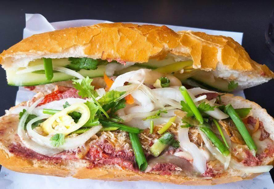Top 5 Quán Bánh Mì Lâu Đời Vẫn Giữ Chân Khách Hàng Tại Sài Gòn -  - Bánh mì Bảy Hổ | Bánh mì chả cá Nguyễn Bỉnh Khiêm | Bánh mì Hòa Mã 33