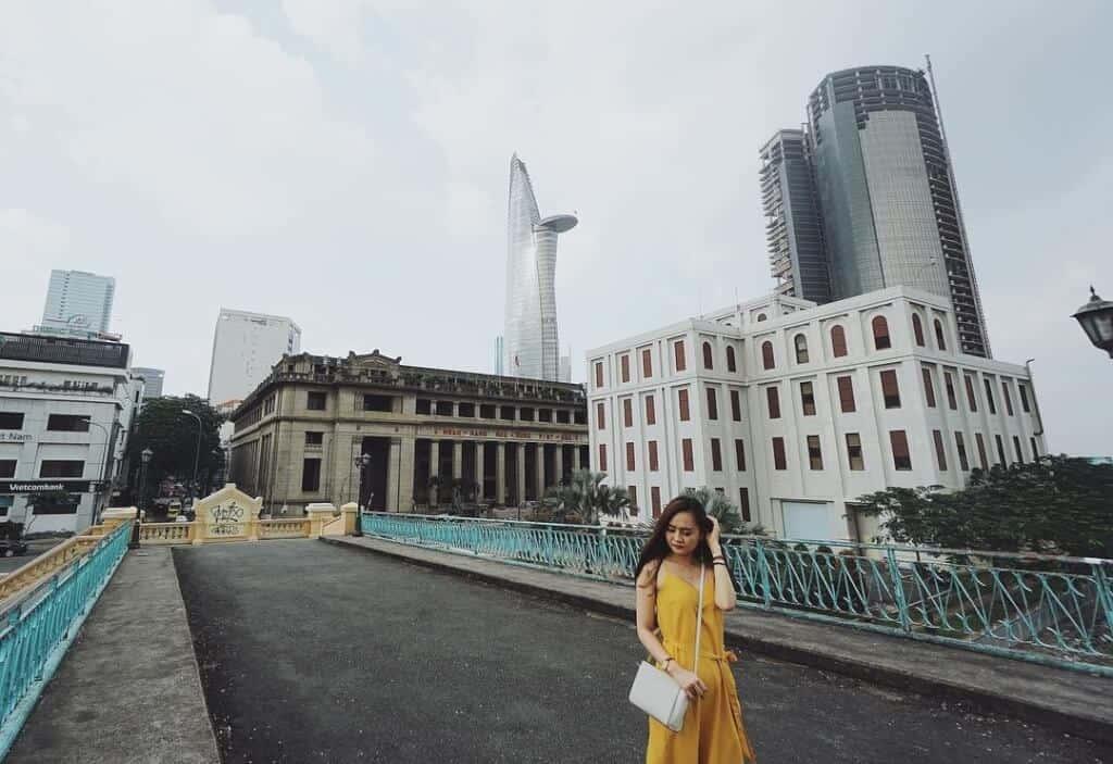 Top 6 Điểm Chụp Ảnh Cực Chất Cho Tín Đồ Nghiện Sống Ảo Tại Thành Phố Hồ Chí Minh -  - Cánh đồng cỏ lau | Cầu Mống | Đường sách Nguyễn Văn Bình 69