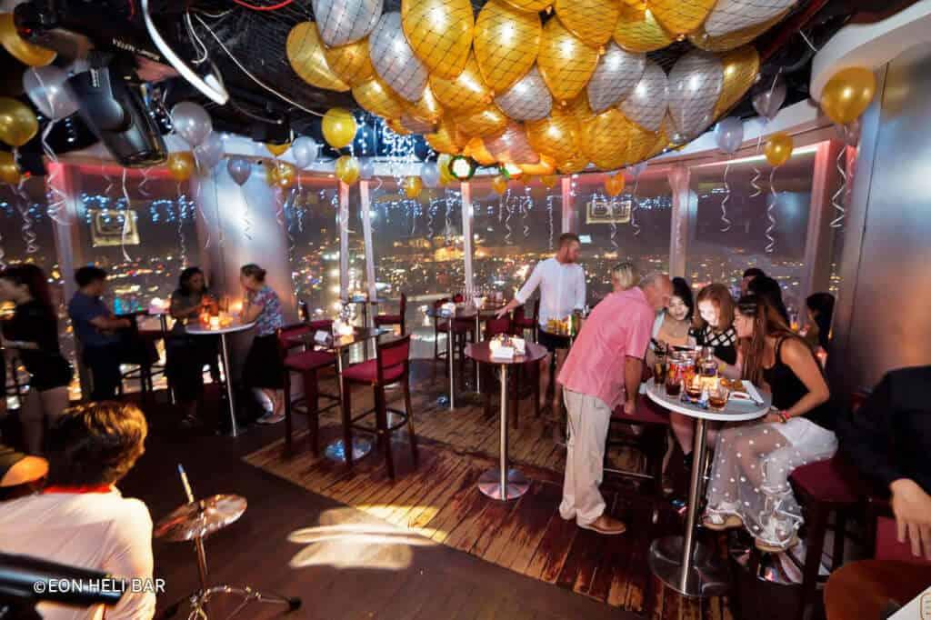 Top 5 Quán Bar Rooftop Sang Chảnh Đúng Gu Giới Trẻ Sài Gòn -  - Air 360 Sky Lounge   Chill Skybar   EON Heli Bar 17