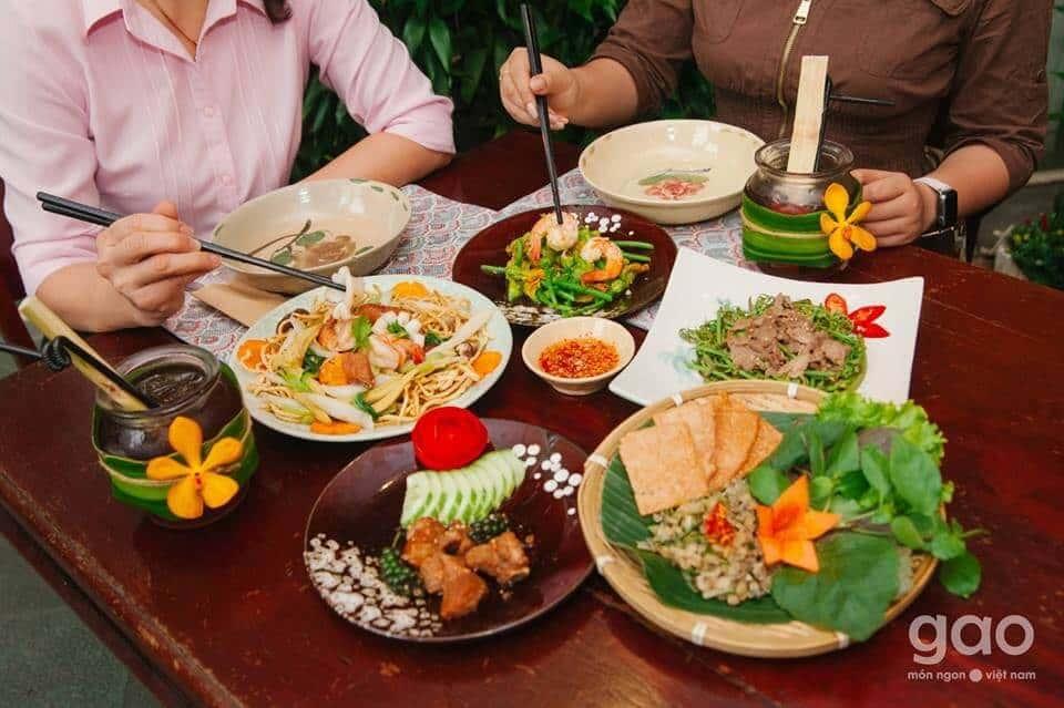 Top 4 Nhà Hàng Vừa Ngon Vừa Có Không Gian Xanh Ở Sài Gòn -  - Mountain Retreat | Nhà hàng Gạo | Secret Garden 35