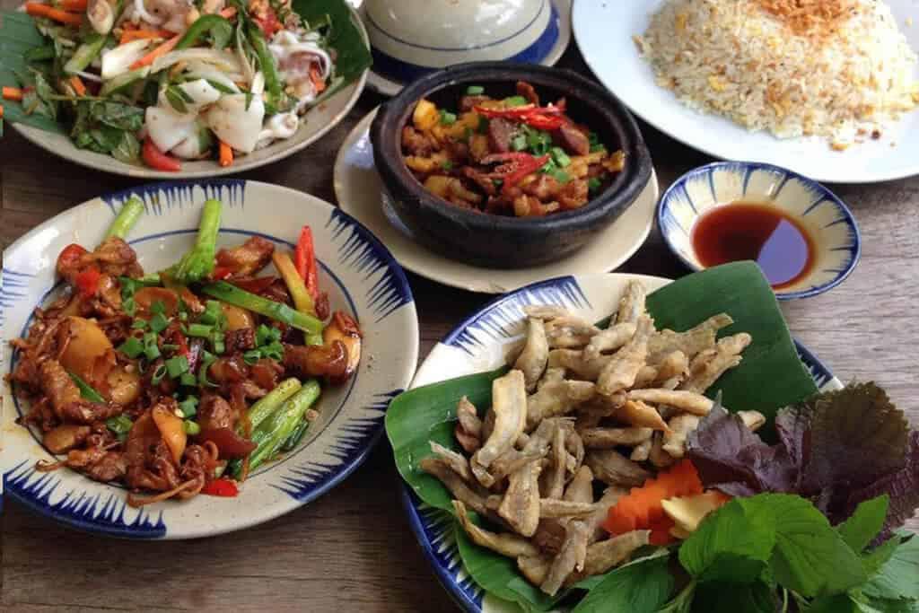 Top 4 Nhà Hàng Vừa Ngon Vừa Có Không Gian Xanh Ở Sài Gòn -  - Mountain Retreat | Nhà hàng Gạo | Secret Garden 41