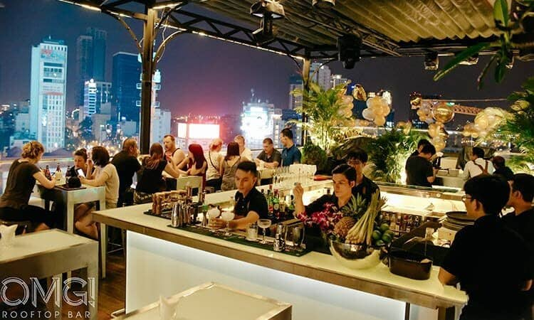 - Top 5 Quán Bar Rooftop Sang Chảnh Đúng Gu Giới Trẻ Sài Gòn