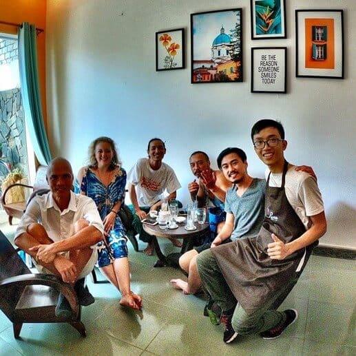 Top 05 Địa Điểm Giúp Tăng Khả Năng Giao Tiếp Tiếng Anh Ở Đà Nẵng - giao tiếp tiếng anh - Bamboo 2 Bar | Đà Nẵng | Golden Pine Pub 29