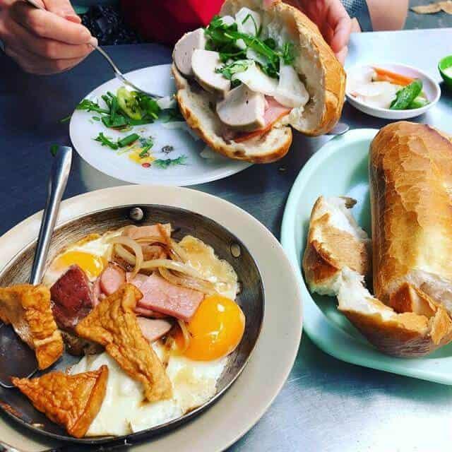 Top 5 Quán Bánh Mì Lâu Đời Vẫn Giữ Chân Khách Hàng Tại Sài Gòn -  - Bánh mì Bảy Hổ | Bánh mì chả cá Nguyễn Bỉnh Khiêm | Bánh mì Hòa Mã 25