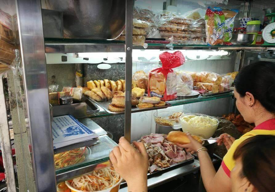 Top 5 Quán Bánh Mì Lâu Đời Vẫn Giữ Chân Khách Hàng Tại Sài Gòn -  - Bánh mì Bảy Hổ | Bánh mì chả cá Nguyễn Bỉnh Khiêm | Bánh mì Hòa Mã 35