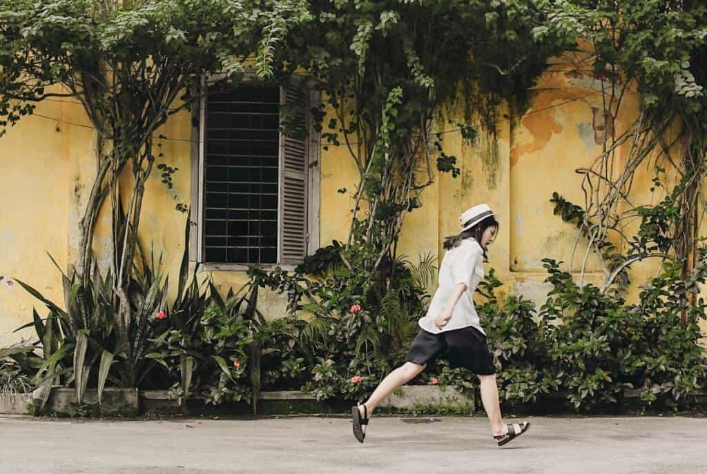 Top 6 Điểm Chụp Ảnh Cực Chất Cho Tín Đồ Nghiện Sống Ảo Tại Thành Phố Hồ Chí Minh -  - Cánh đồng cỏ lau | Cầu Mống | Đường sách Nguyễn Văn Bình 77