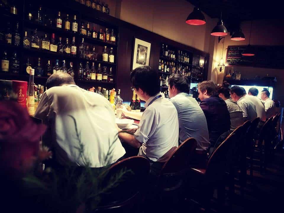 Top 5 Quán Bar Theo Phong Cách Nhẹ Nhàng Dành Cho Người Không Ưa Náo Nhiệt Tại Sài Gòn -  - Layla - Eatery & Bar   The ATM Cocktail Bar & Kitchen   The First Bar 19