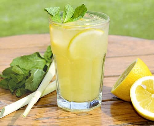 Top 7 Đồ Uống Trị Cảm Cúm Dễ Làm Cho Cả Nhà -  - Nước hành tây mật ong | Nước nén | Trà chanh bạc hà 23