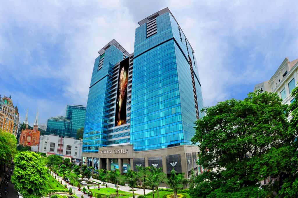 Top 12 Địa Điểm Bạn Nhất Định Phải Ghé Khi Đến Quận 1 - - Bitexco Financial Tower | Bưu điện thành phố | Chợ Bến Thành 43