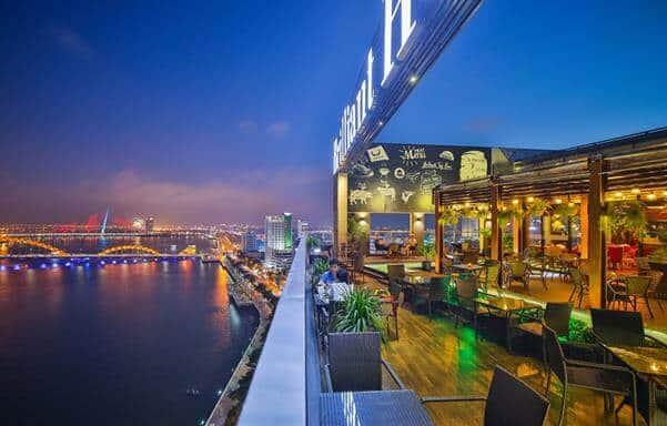 Top 5 Quán Cafe Bar Sân Thượng Có View Đẹp Nhất Đà Nẵng -  - Brilliant Top Bar – Brilliant Hotel Da Nang | Café Bar Skye36 | Coffee Bar Sunset 29