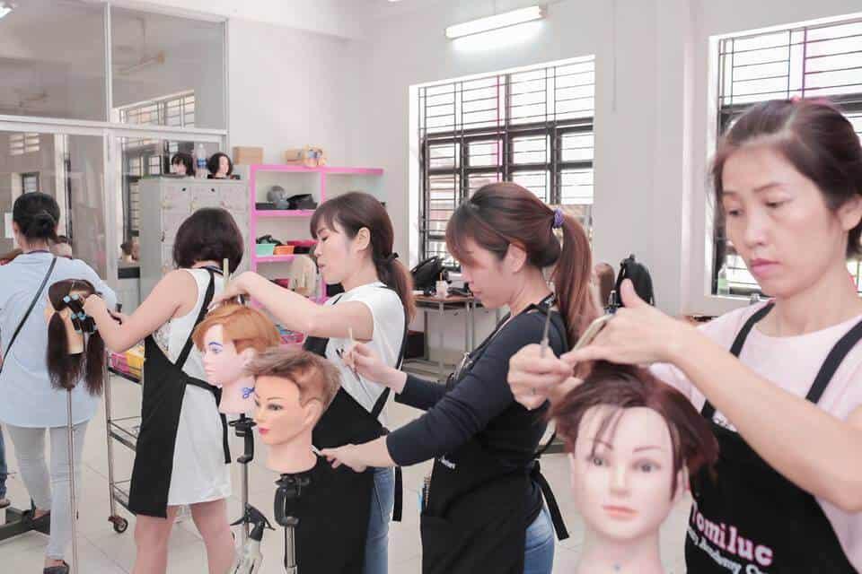 Top 10+ Trung Tâm Dạy Học Nghề Cắt Tóc Uy Tín, Chất Lượng Nhất Tại TPHCM - học nghề cắt tóc - Quận 1 | Quận 10 | Quận 12 121
