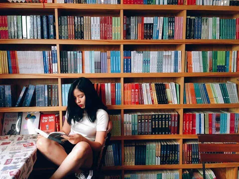 Top 5 Quán Cafe Sách Đẹp Nhất Đà Nẵng -  - Green & Brown Bookstore | Nhã Nam Books N' Coffee | The Book Library & Cafe 21