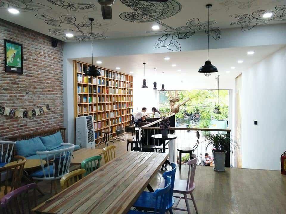 Top 5 Quán Cafe Sách Đẹp Nhất Đà Nẵng -  - Green & Brown Bookstore | Nhã Nam Books N' Coffee | The Book Library & Cafe 23