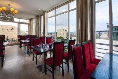 - Top 5 Khách Sạn 3 Sao Chất Lượng, Giá Tốt Tại Hà Nội
