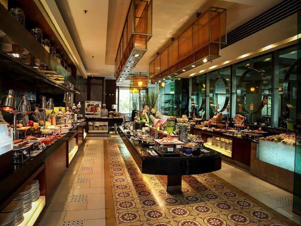 - Top 5 Khách Sạn 5 Sao Hiện Đại Bậc Nhất TP. Hồ Chí Minh