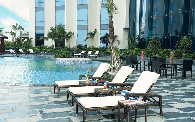 Top 5 Khách Sạn Có Bể Bơi Sang Chảnh Tại Hà Nội - - Apricot Hotel | Crowne Plaza West Hanoi | Elegant Suites Westlake 39