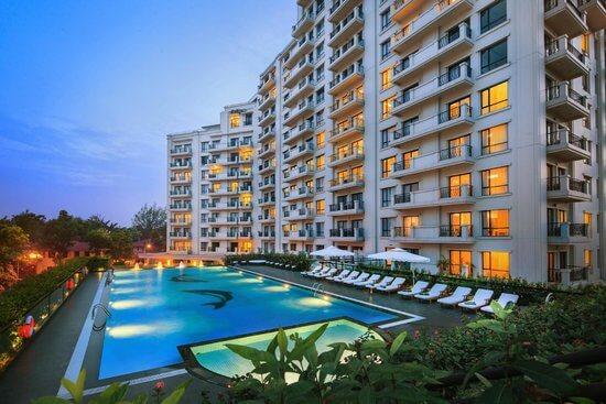 Top 5 Khách Sạn Có Bể Bơi Sang Chảnh Tại Hà Nội - - Apricot Hotel | Crowne Plaza West Hanoi | Elegant Suites Westlake 31