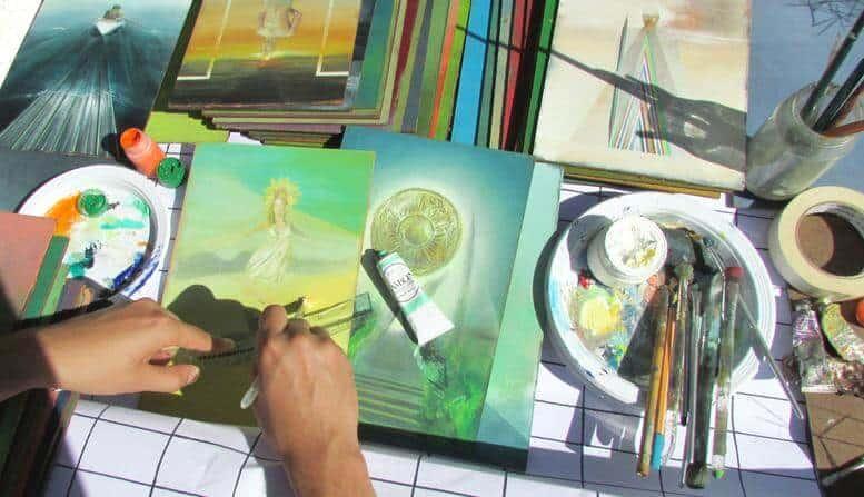 Bộ Tarot vẽ tay đầu tiên Việt Nam có phải của bạn