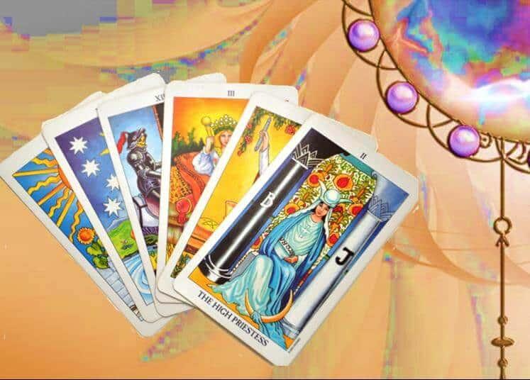 Bình tĩnh và cân bằng là một trong các lợi ích xem bói bài tarot nổi bật