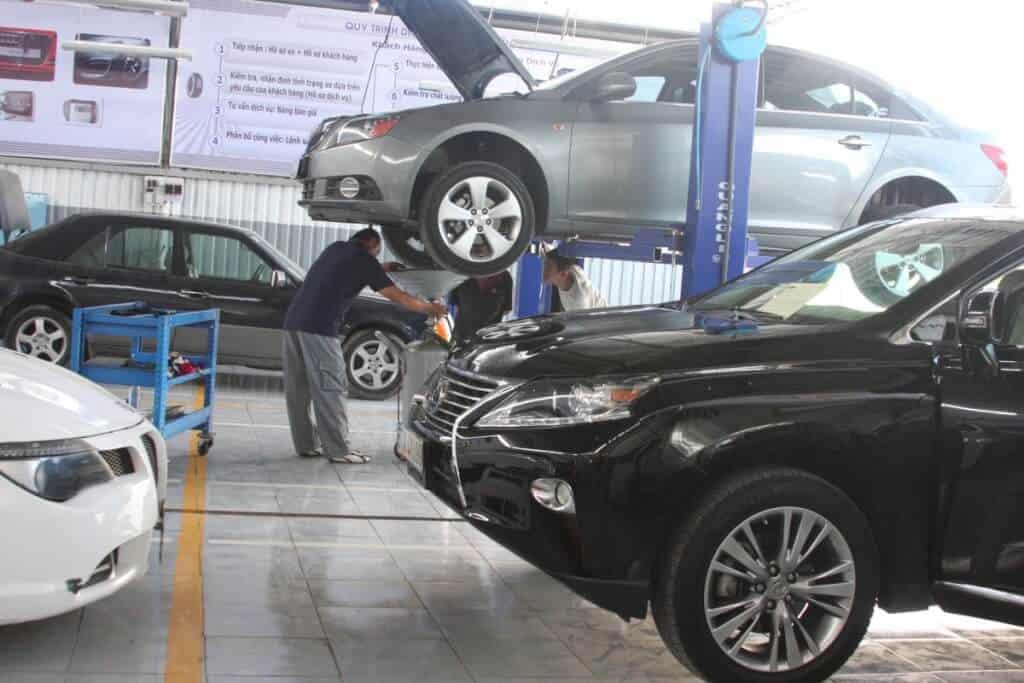 Liệt kê danh sách các xưởng gara chuyên sửa xe ô tô uy tín tại tphcm