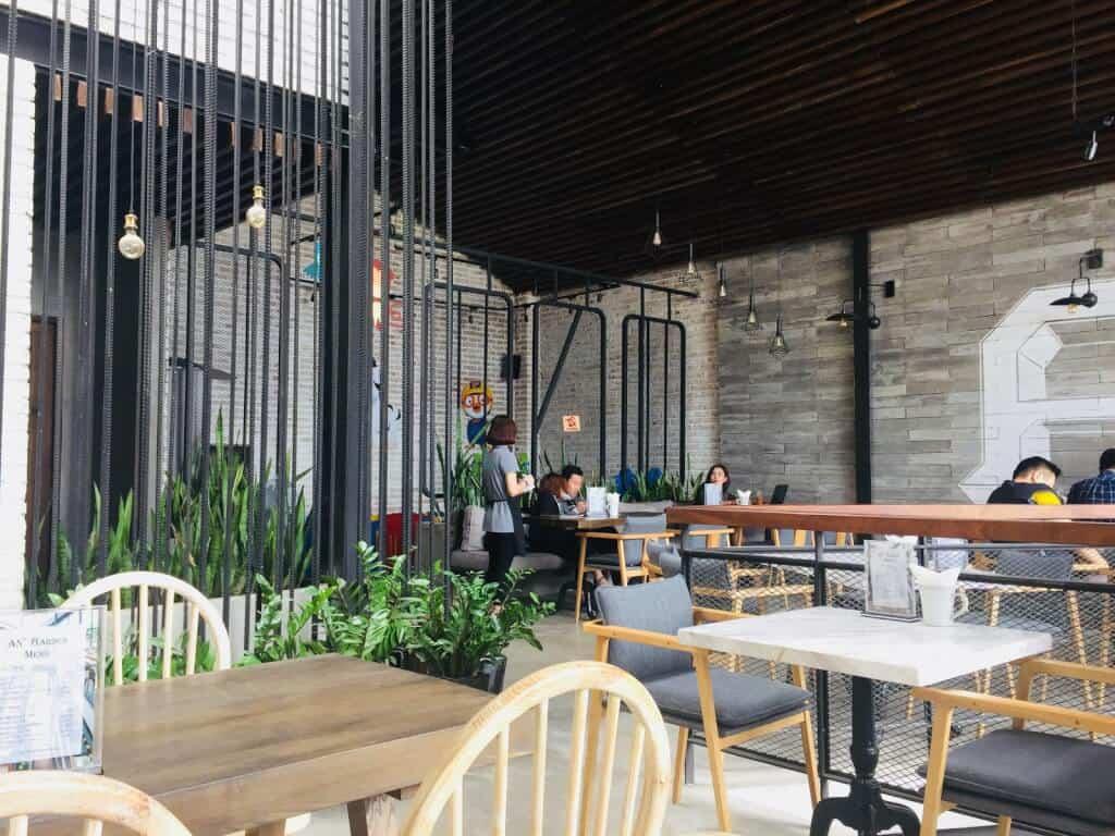 Top 3 Công Ty Thiết Kế Nội Thất Quán Cà Phê Đẹp Tại TP HCM - công ty thiết kế nội thất quán cà phê đẹp - Công Ty TNHH phát triển Tuệ Nhân   Nội Thất Mỹ Thuật DG   Nội Thất Unique Decor 17