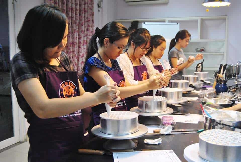 Top 8 Địa Chỉ Dạy Làm Bánh Kem Chất Lượng Tại Tp Hồ Chí Minh - địa chỉ dạy làm bánh kem chất lượng - Cà phê – tiệm bánh Flour No.8   Hướng Nghiệp Á Âu   Thành Phố Hồ Chí Minh - Sài Gòn 27
