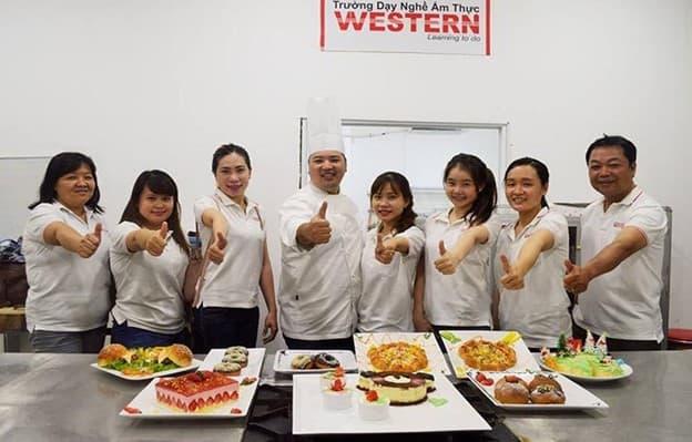 Top 8 Địa Chỉ Dạy Làm Bánh Kem Chất Lượng Tại Tp Hồ Chí Minh - địa chỉ dạy làm bánh kem chất lượng - Cà phê – tiệm bánh Flour No.8   Hướng Nghiệp Á Âu   Thành Phố Hồ Chí Minh - Sài Gòn 25