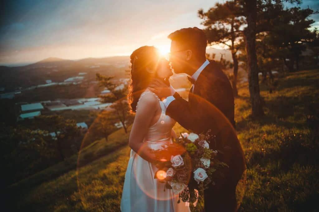 Top 10 Ý Tưởng Chụp Ảnh Cưới Được Cô Dâu Chú Rể Ưa Thích - ý tưởng chụp ảnh cưới đẹp và độc đáo - Ảnh Cưới 93