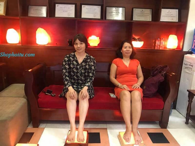 đá muối massage chân