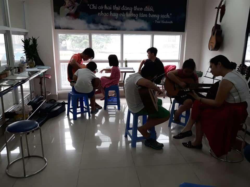 Top 10 Trung Tâm Đào Tạo Guitar Nổi Tiếng Tại Tp Hồ Chí Minh - trung tâm đào tạo guitar nổi tiếng ở tphcm - Guitar Với Âm Nhạc | Học Viện Âm Nhạc SEAMI | Thành Phố Hồ Chí Minh - Sài Gòn 73