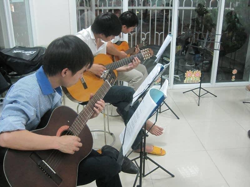 Top 10 Trung Tâm Đào Tạo Guitar Nổi Tiếng Tại Tp Hồ Chí Minh - trung tâm đào tạo guitar nổi tiếng ở tphcm - Guitar Với Âm Nhạc | Học Viện Âm Nhạc SEAMI | Thành Phố Hồ Chí Minh - Sài Gòn 63