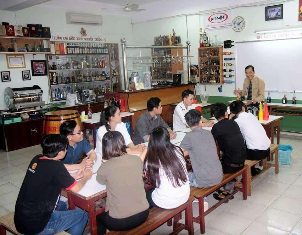Top 10 Trung Tâm Đào Tạo Bartender Nổi Tiếng HCM - trung tâm đào tạo bartender - Đào Tạo Bếp Vàng | Học Pha Chế Việt (HPCViet) | Hướng Nghiệp Á Âu 29