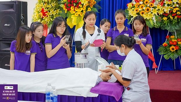 Top 10 Khóa Học Dạy Điều Trị Mụn Chuyên Nghiệp Tại Hà Nội - khóa học dạy điều trị mụn chuyên nghiệp - Arum Spa | Bich Nguyet Beauty Academy | Hà Nội 31