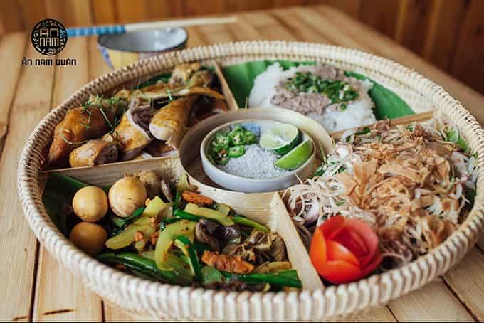 Top 6 Nhà Hàng Ẩm Thực Miền Trung Ngon Nổi Tiếng Tại TP HCM - nhà hàng ẩm thực miền trung - Ân Nam Quán | Cơm Quê Mười Khó | Hội An Quán 31