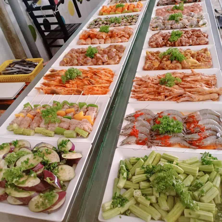 Top 5 Nhà Hàng Buffet Giá Rẻ 99k Không Nên Bỏ Lỡ Tại TPHCM - nhà hàng buffet giá rẻ dưới 100k - Anan BBQ | Buffet Những Chàng Trai | Cánh đồng quán 25