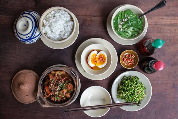 Top 5 Nhà Hàng Chuyên Ẩm Thực Miền Nam Hút Khách Tại TP HCM - nhà hàng chuyên ẩm thực miền nam - Lẩu Bò Sài Gòn Vivu | Mekong Kitchen | Ơ Thương 26