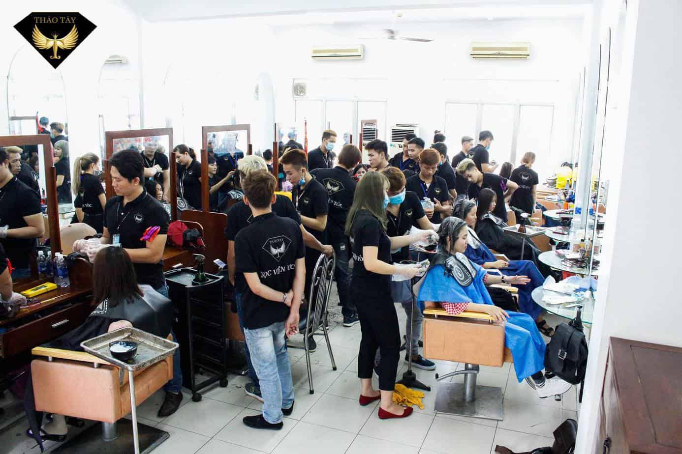 - Top 9 Trung Tâm Dạy Học Cắt Tóc Nữ Chuyên Nghiệp Tại HCM