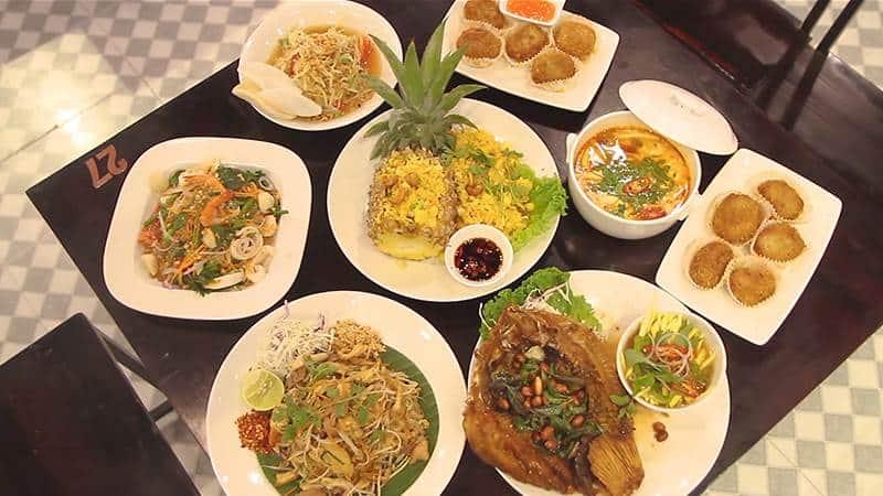 Top 5 Nhà Hàng Ẩm Thực Chuẩn Hương Vị Miền Trung Tại TP HCM - nhà hàng ẩm thực chuẩn hương vị miền trung - Cố Đô Huế | Mộc Huế | Sông Hàn 35