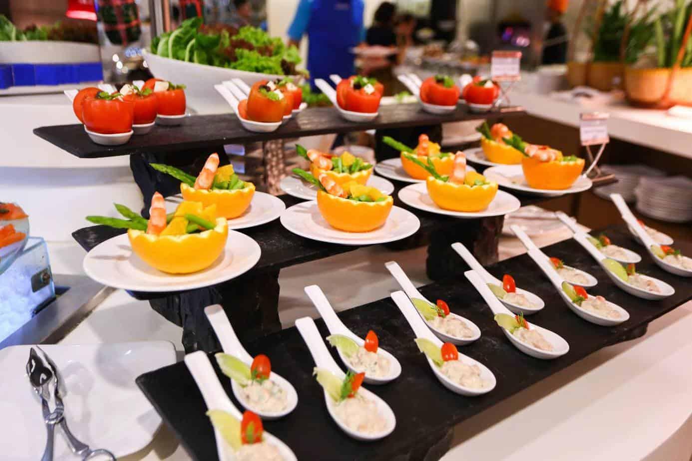 Top 8 Nhà Hàng Buffet Cao Cấp Tại TPHCM Mà Dân Sành Ăn Không Nên Bỏ Lỡ - nhà hàng buffet cao câp tại tphcm - Caravelle Saigon hotel | Hoàng Yến Premier | Nhà Hàng Buffet 60