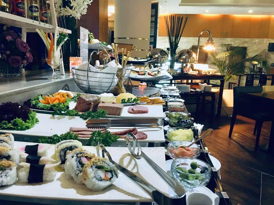 - Top 4 Nhà Hàng Buffet Ngon Ở TP HCM Được Nhiều Người Yêu Thích