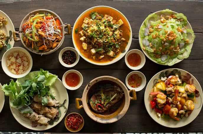 Top 5 Nhà Hàng Chuyên Ẩm Thực Miền Nam Hút Khách Tại TP HCM - nhà hàng chuyên ẩm thực miền nam - Lẩu Bò Sài Gòn Vivu | Mekong Kitchen | Ơ Thương 28